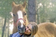 В отворено писмо до президента Бриджит Бардо иска затваряне на кланиците за коне