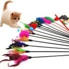 Забавна играчка за котки - пръчка с перце