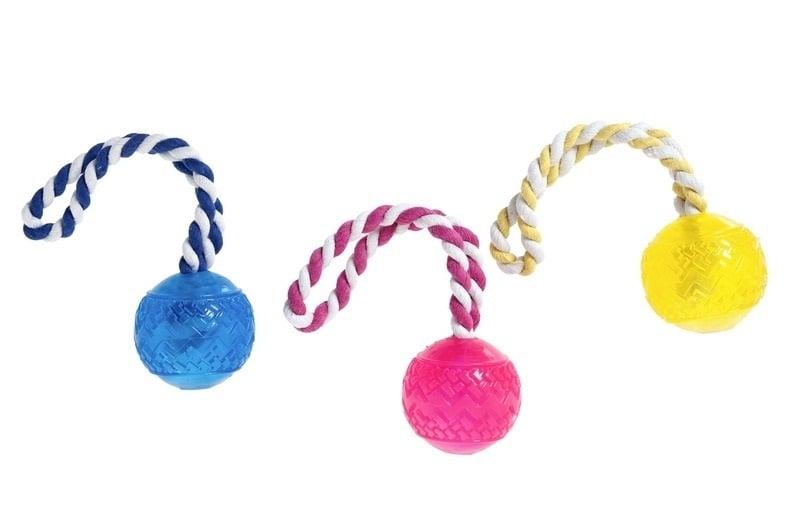 Играчка good 4 fun топка 6 см с въже ф8мм, от Karlie, Германия