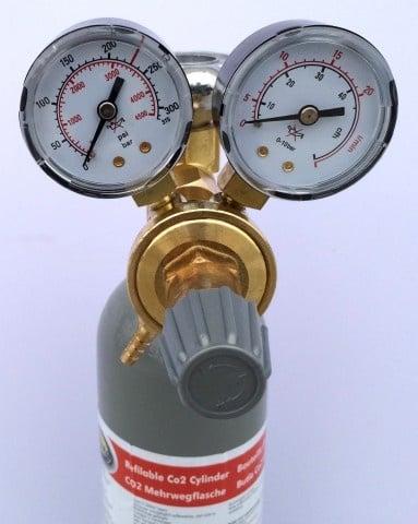 Редуцир вентил за CO2 /за бутилки 2 и 8кг. /Aqua Nova