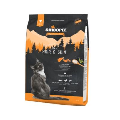 Храна за израснали породисти котки Chicopee Holistic Nature Line Hair&Skin, за красива козина и кожа - две разфасовки