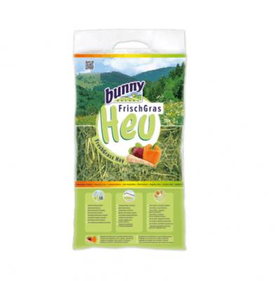 Сено за гризачи от свежа трева със зеленчуци, богати на баластни вещества и минерали Bunny FreshGrass Hay Vital-Vegetables, 500гр