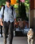 Брадли Купър с кучето си