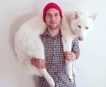 Джон и неговият Вълк сред дивата природа