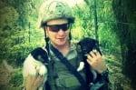 Две кученца с войник
