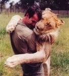 Прегръдката през погледа на животните (уникални снимки)