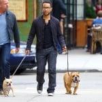 Джон Леджънт с двете си кучета