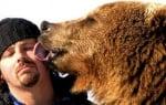 Кейси Андерсън и мечката гризли Брут  от National Geographic
