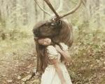 Момиче с елен