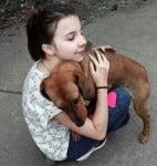 Момиче дарител за кучета Плевен
