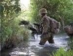 На военна мисия с куче