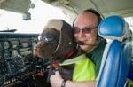 Пилот с куче