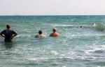 Спасиха бедстващо делфинче в село Равда