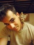 Войник с котенце