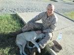 Войник с кучето си